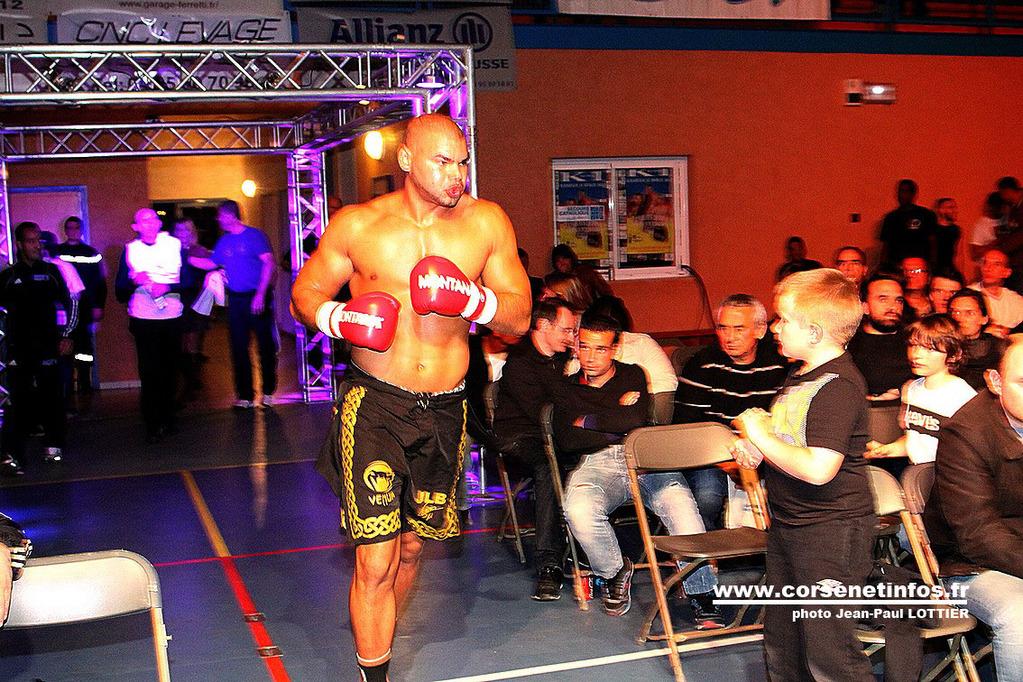 Déterminé Gaetan Saiutron à son arrivée sur le ring