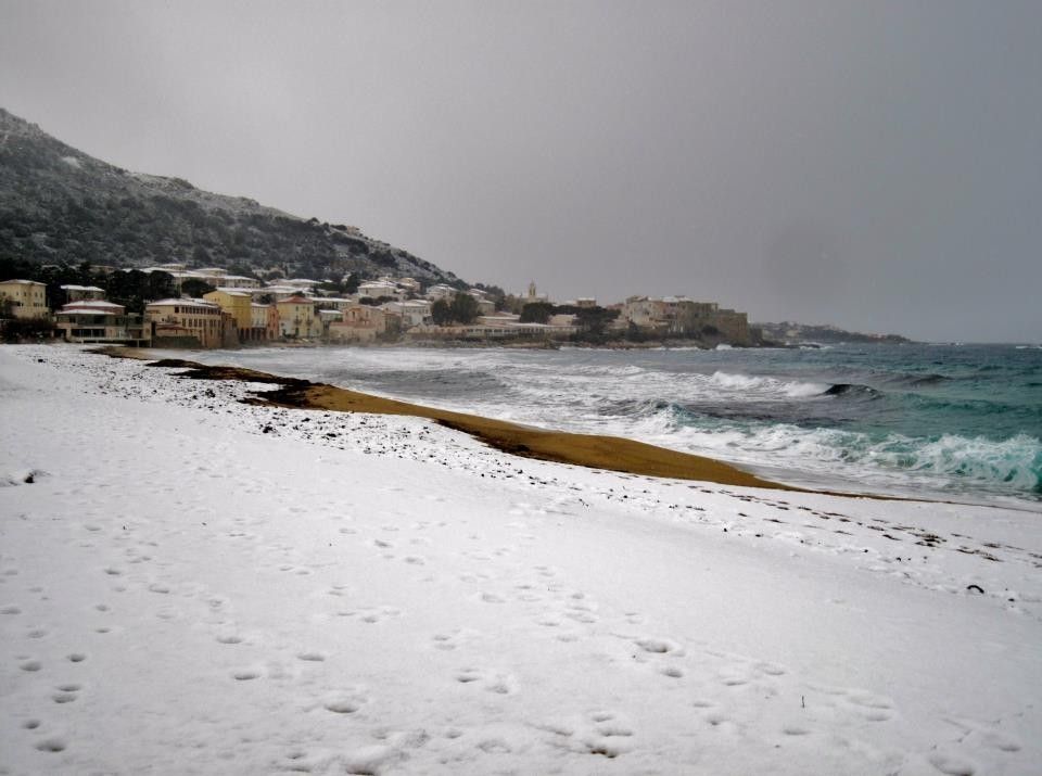 La plage d'Algajola (Hélène Cancela)
