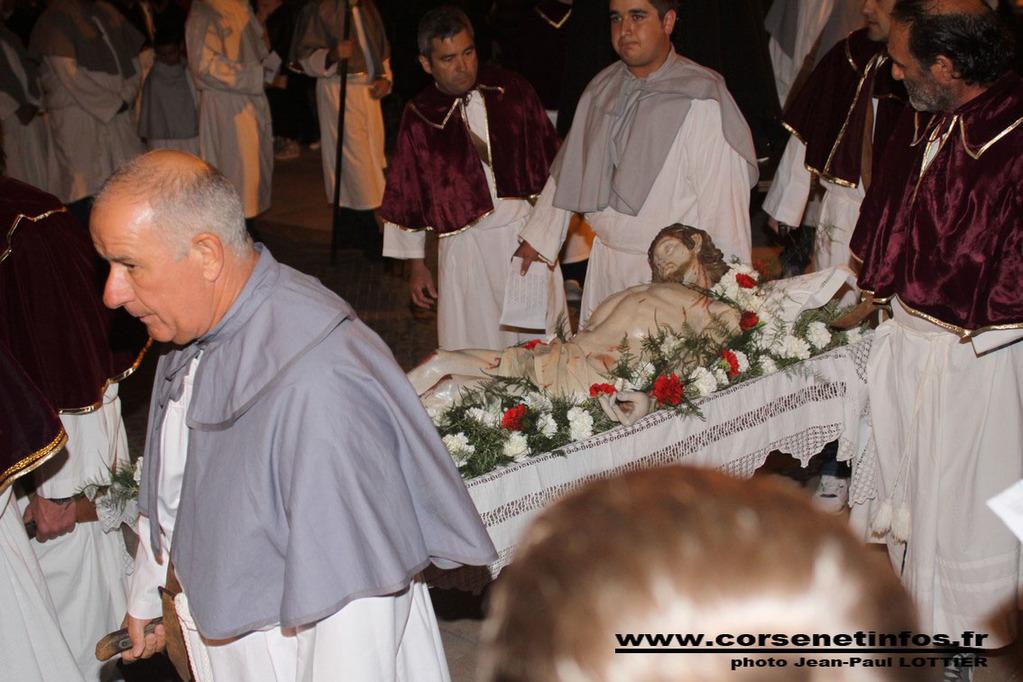 Le christ allongé