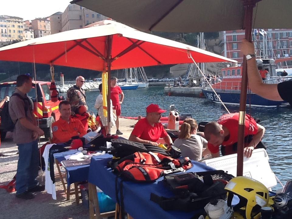 Sécurité civile et plongeurs
