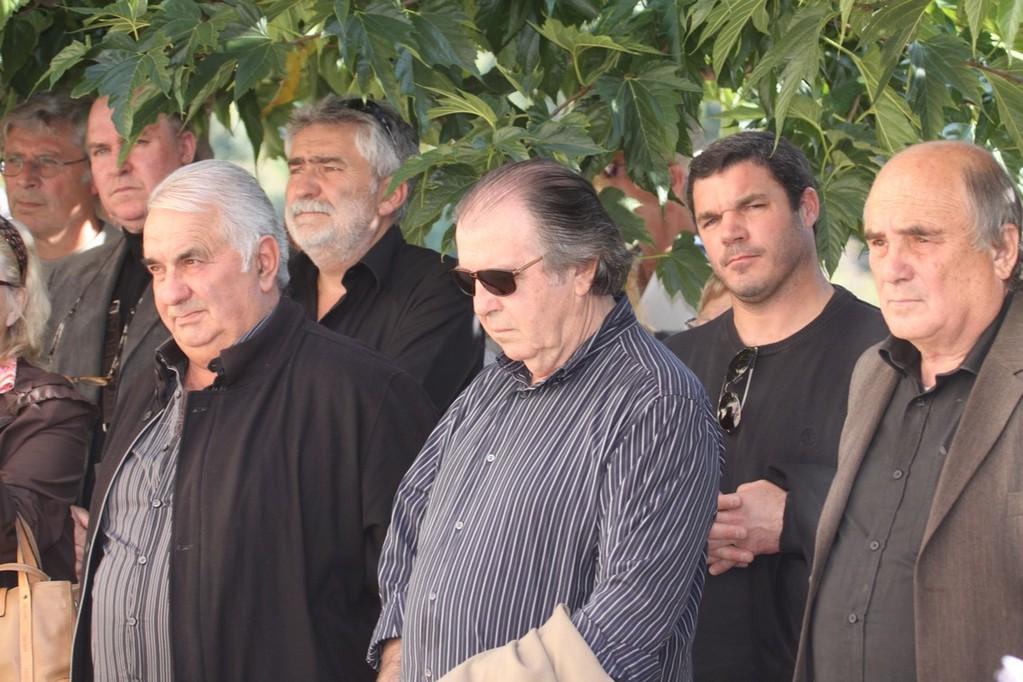 Les maires et conseils municipaucx unis derrière Pierre Oberti