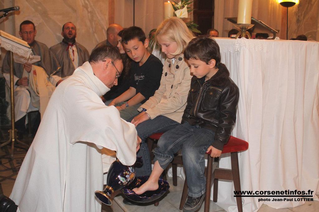 Le lavement des pieds des enfants