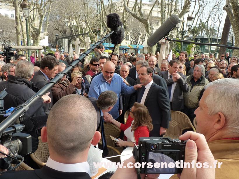 François Hollande congratule le patron du Napoléon