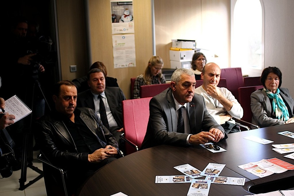 Au premier plan Jean-Jo Allegrini-Simonetti, maire de L'Ile-Rousse