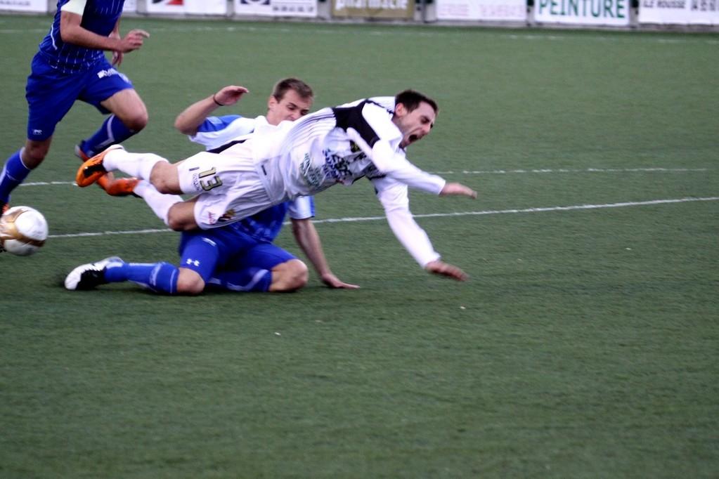 Fauché en pleine surface, Giannone a provoqué le penalty