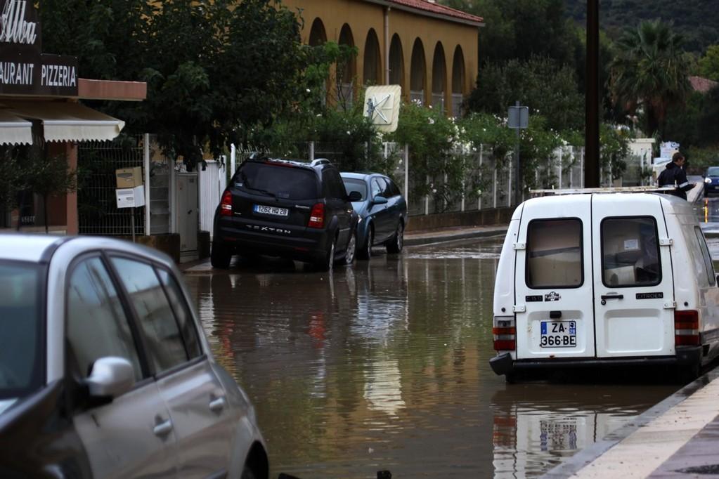 La route de Pietramaggiore coupée.