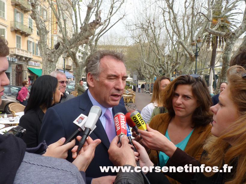 La charte des langues minoritaires, l'évolution institutionnelle de la Corse