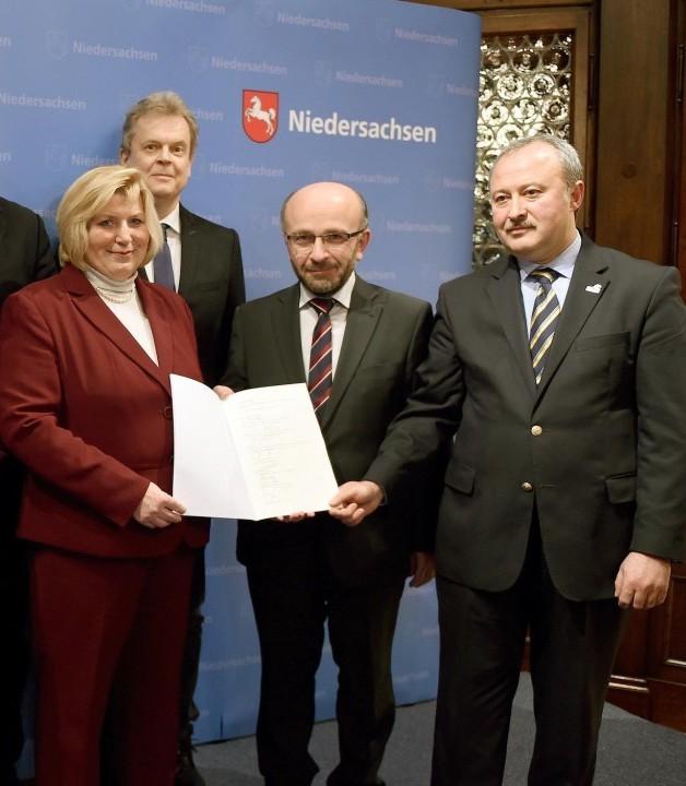 """Eröffnung der Beratungsstelle zur """"Prävention von neosalafistischer Radikalisierung"""" am 7.4.2015"""