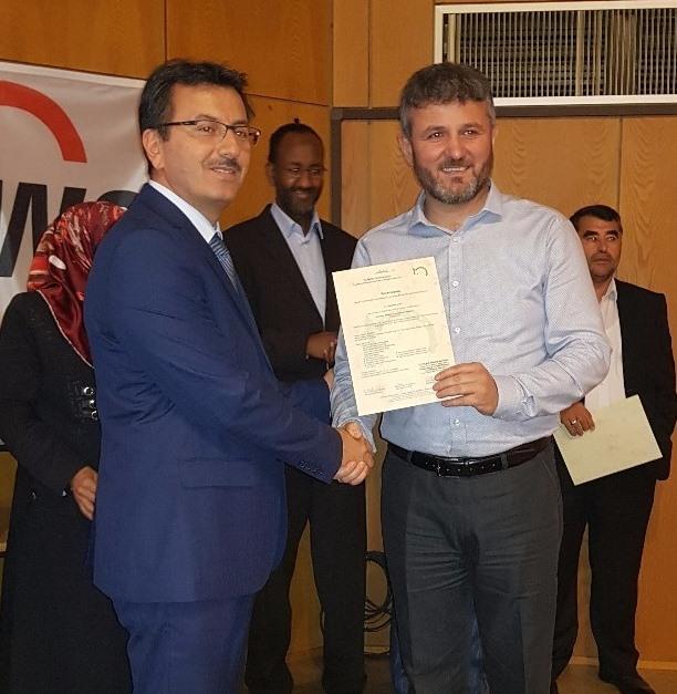 Muslimische Krankenhausseelsorgerinnen und -seelsorger erfolgreich ausgebildet