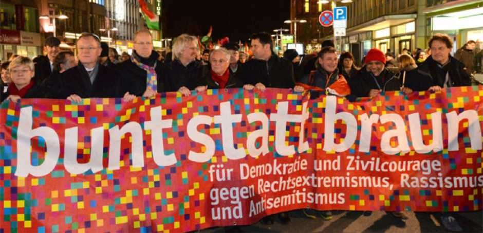 """""""bunt statt braun"""" - Demonstration in der Innenstadt (15.01.2015)"""