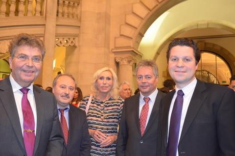 Anlässlich des 91. Jahrestages der Proklamation der Republik Türkei fand am 29.10.2014 ein Empfang im Neuen Rathaus in Hannover statt. Eingeladen hatte das Generalkonsulat der Republik Türkei, der Generalkonsul Mehmet Günay.