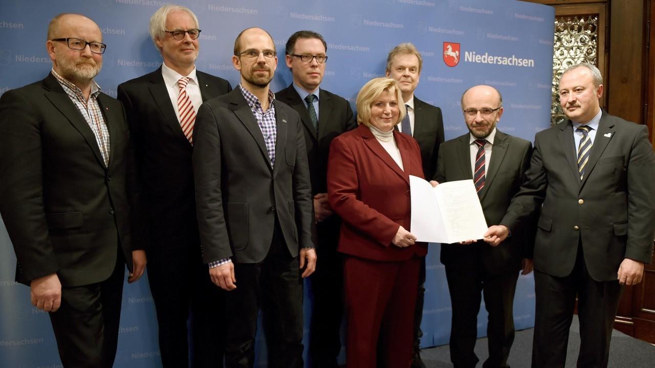 Trägerverein für Präventionsstelle gegen neo-salafistische Radikalisierung gegründet (10.12.2014)