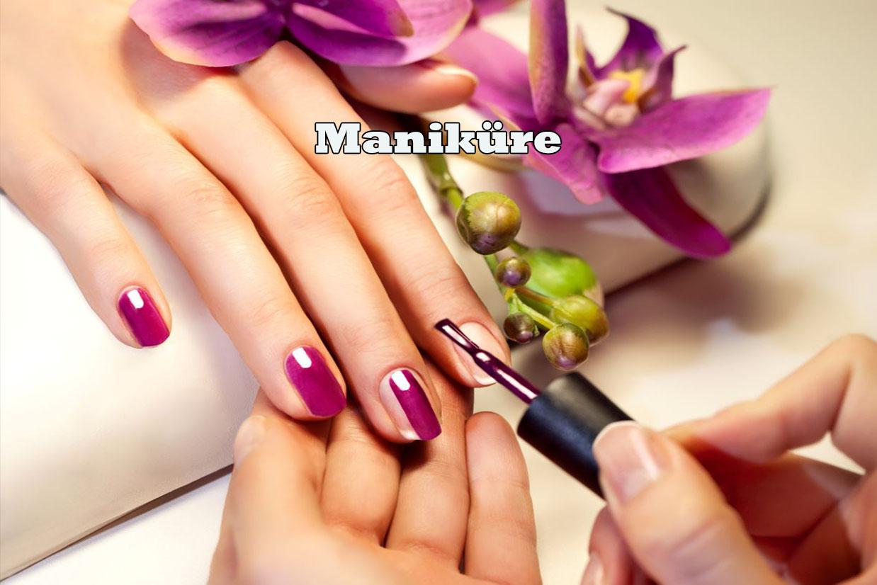 Dabei werden die Hände und Naturnägel mit exklusiven Produkten zur Feuchtigkeitsspende behandelt, die überschüssige Nagelhaut entfernt und der Naturnagel in Form gefeilt und auf Wunsch lackiert.
