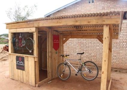 Madagascar. Financement d'un atelier de réparation de vélos.