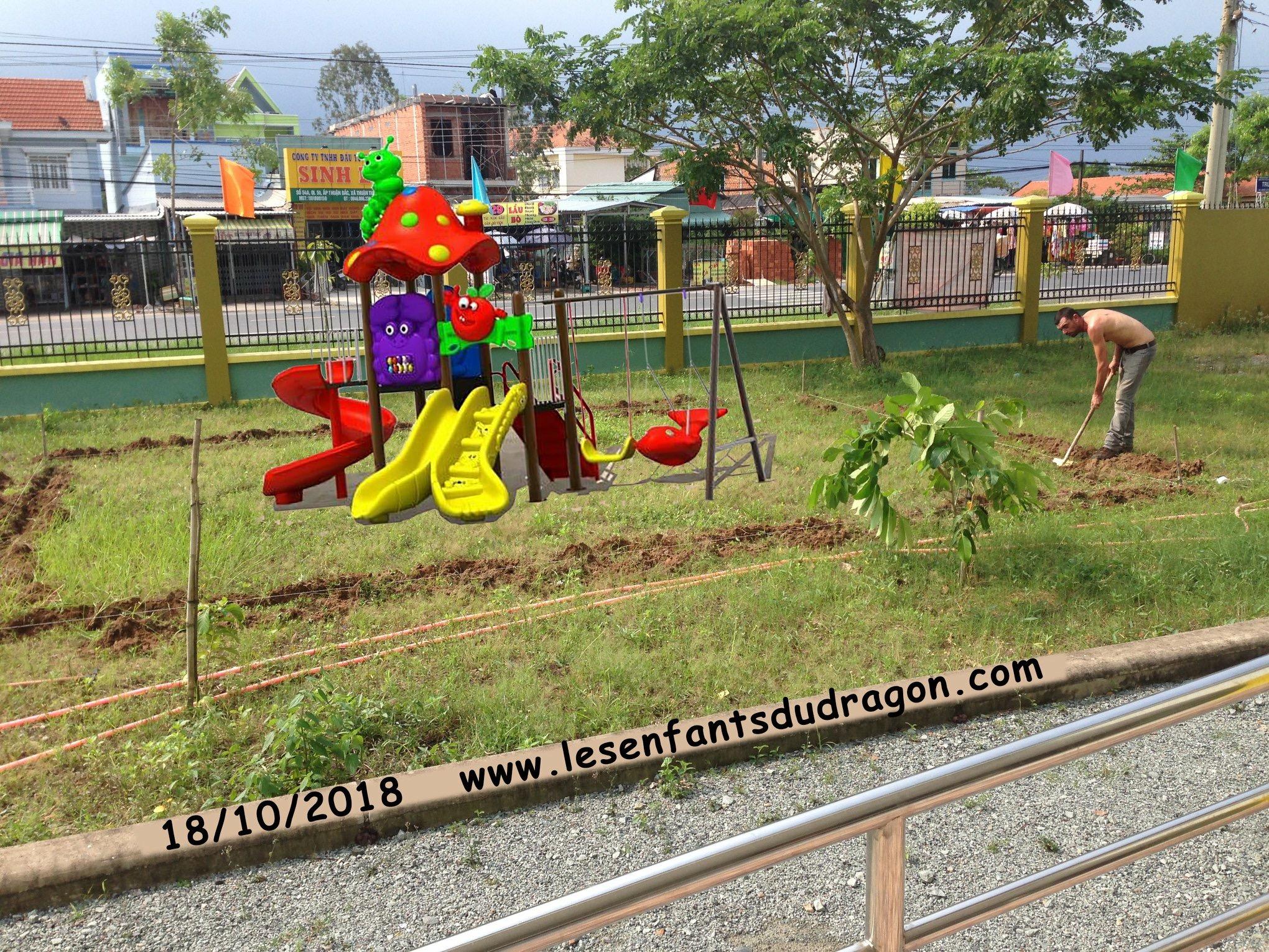 Vietnam. Association Enfants du Dragon. Financement de jeux extérieurs (photo2/3)