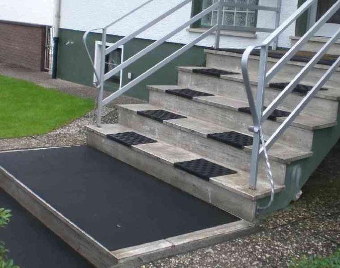 Stahltreppe außen in Aschaffenburg montiert