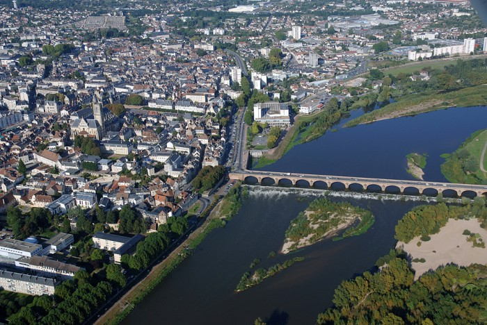 Ville Nevers Ville Nevers Fr Culture