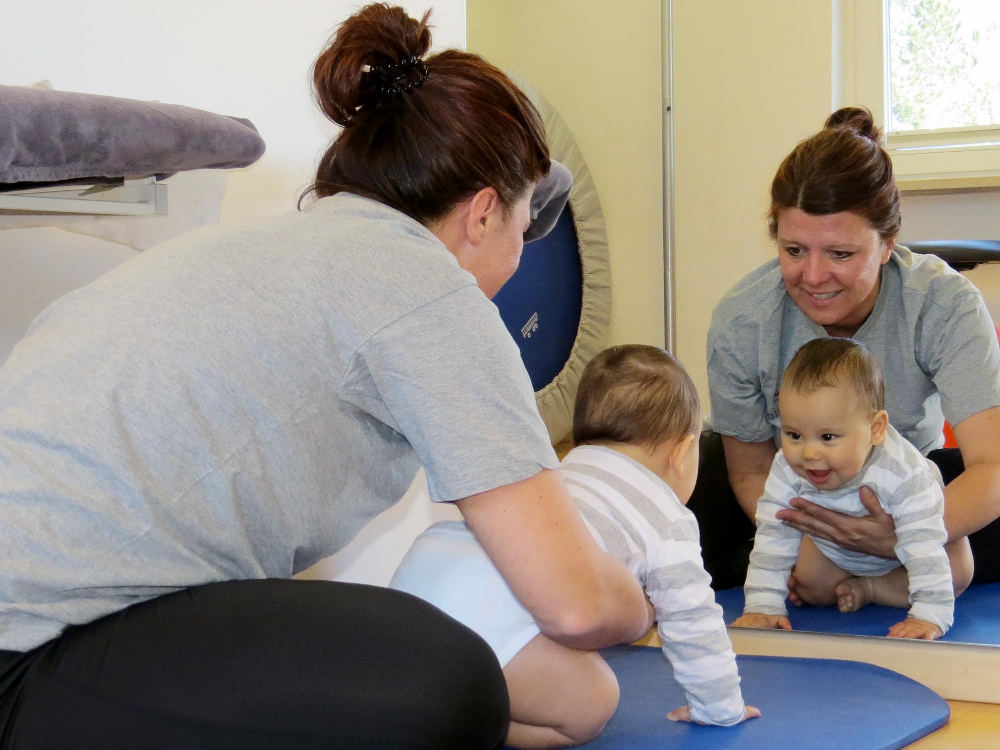 PTS Physiotherapie Schenefeld GmbH | Kinderphysiotherapie nach Bobath für Kleinkinder