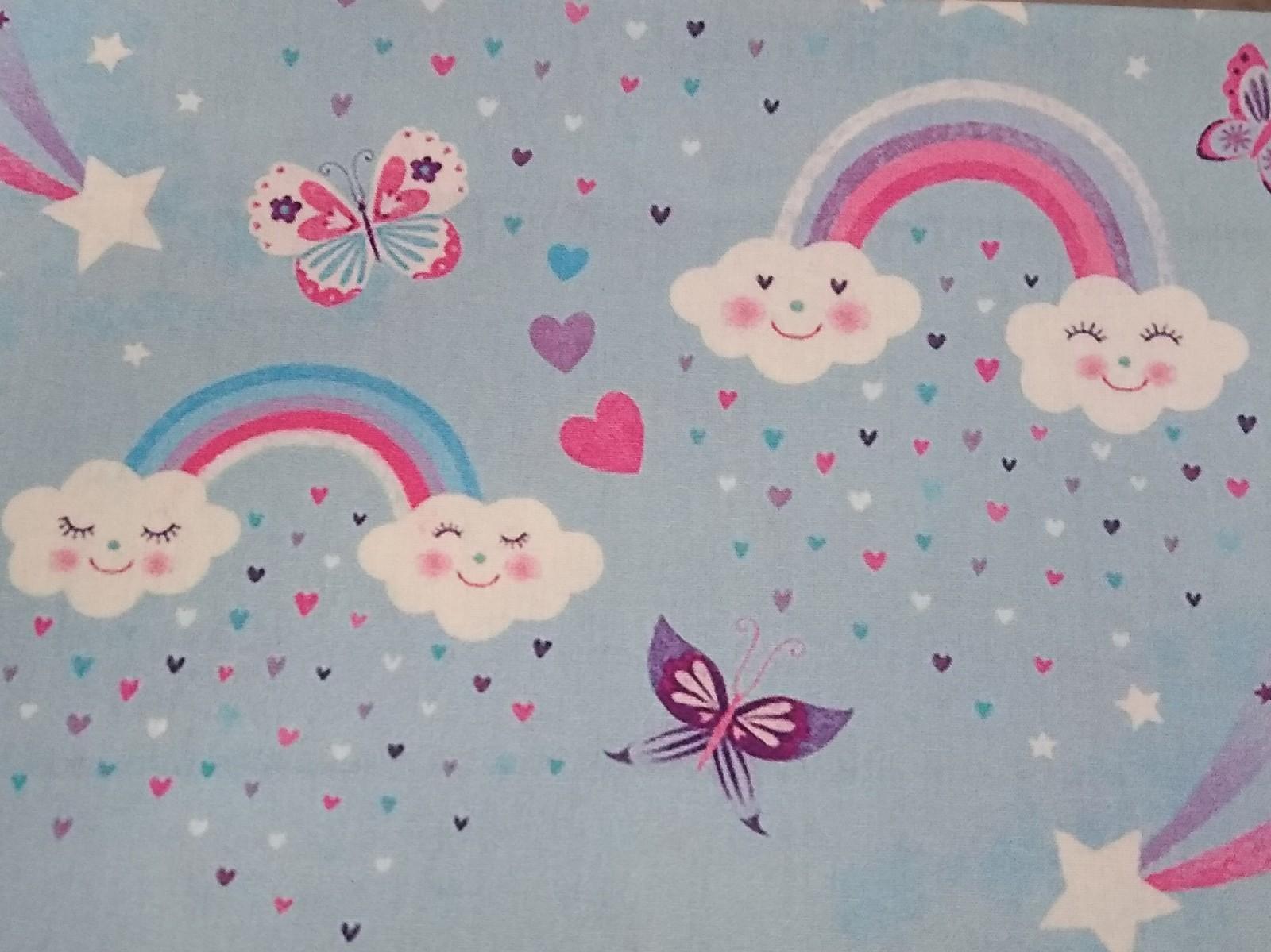 Baumwolle Regenbogen/ Wolken/ Schmetterlinge, 140cm breit, 0.5m 7.00€
