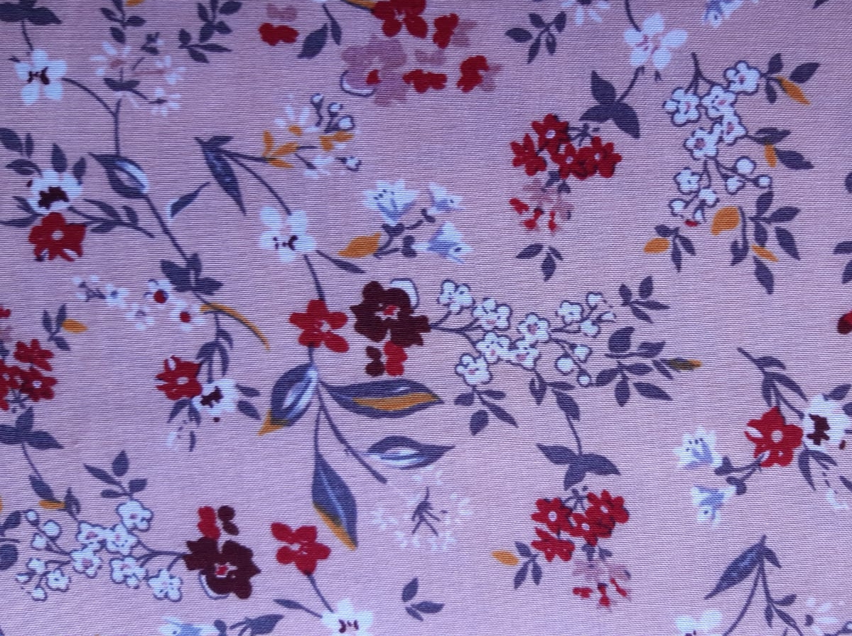 Viskose Webware Kirschblüten auf lachsrosa, 140cm breit, 0.5m 6.50€