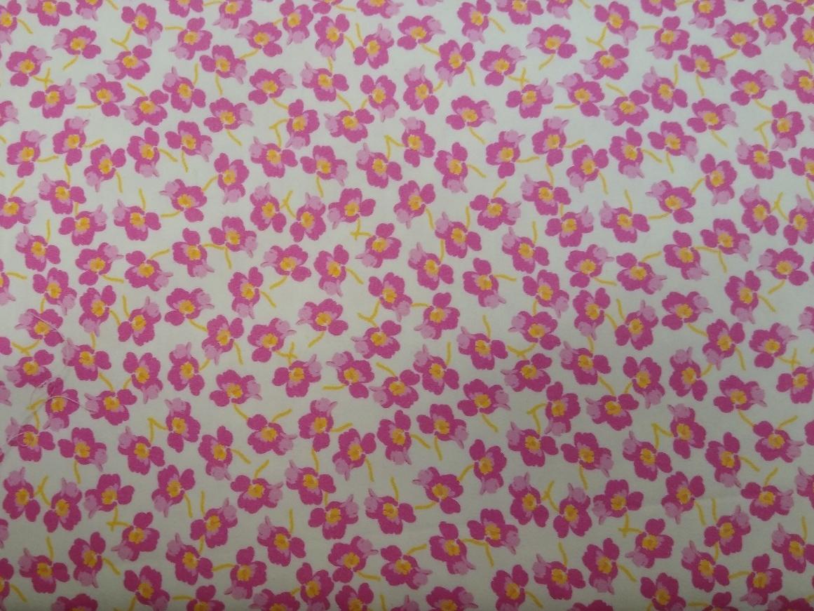 Baumwolle mit Elasthan, rosa Blüten auf weiß, 140cm breit, 9.00€
