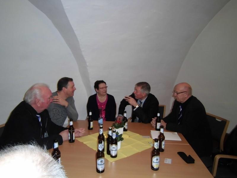Anschliessend gemütlicher Umtrunk im Gewölbekeller des alten Klosters ...