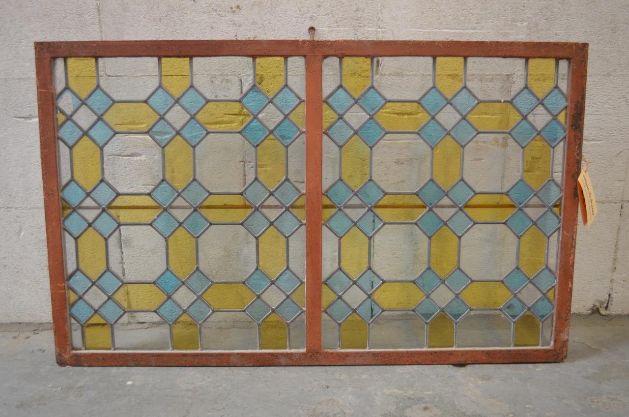 Glas-in-lood raam, gietijzeren lijst, 95 x 58 cm