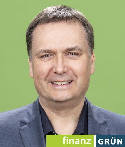 Oliver Henkel, Inhaber