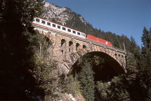 Il ponte Wäldlitobel ancora in uso.