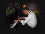 ノリノリのピアノの演奏を ありがとう!!