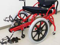 歩行困難でもこげる車椅子