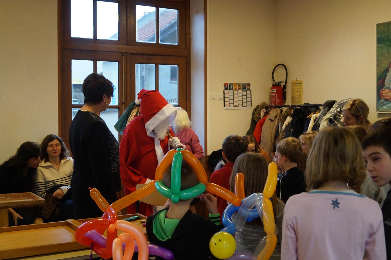 Le Père Noël fait son entrée