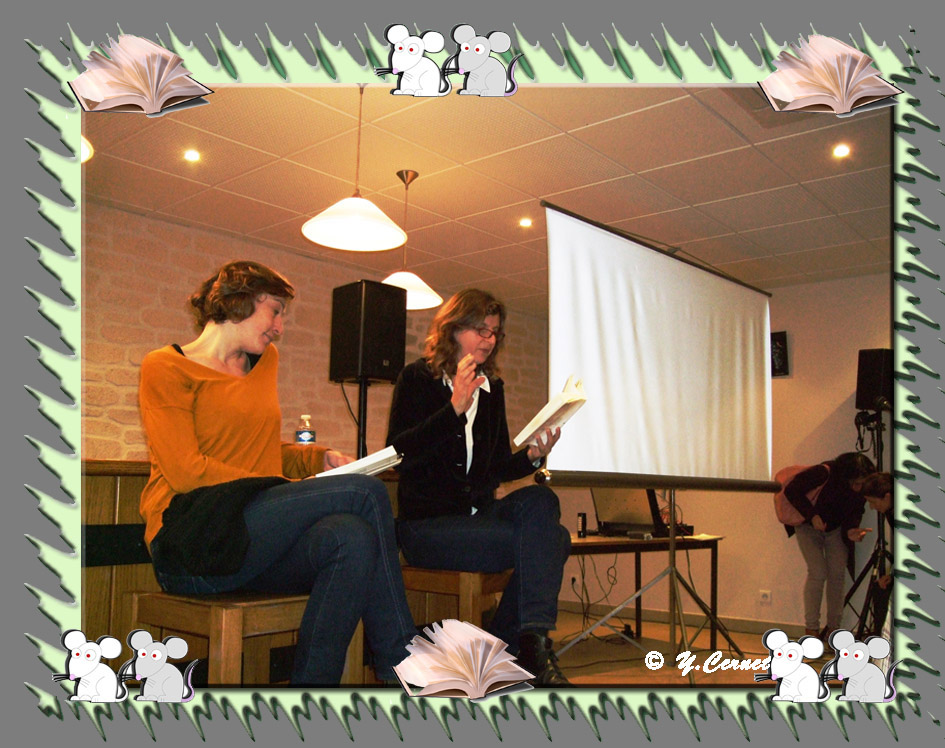 """Lecture à deux du roman """"Que font les rennes après Noël ?"""" (Olivia Rosenthal romancière et Julie Moulier comédienne)"""