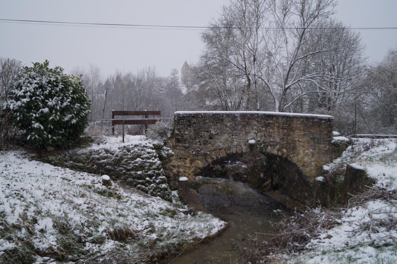 Pont rue de Chézy photo prise le 6 février 2018