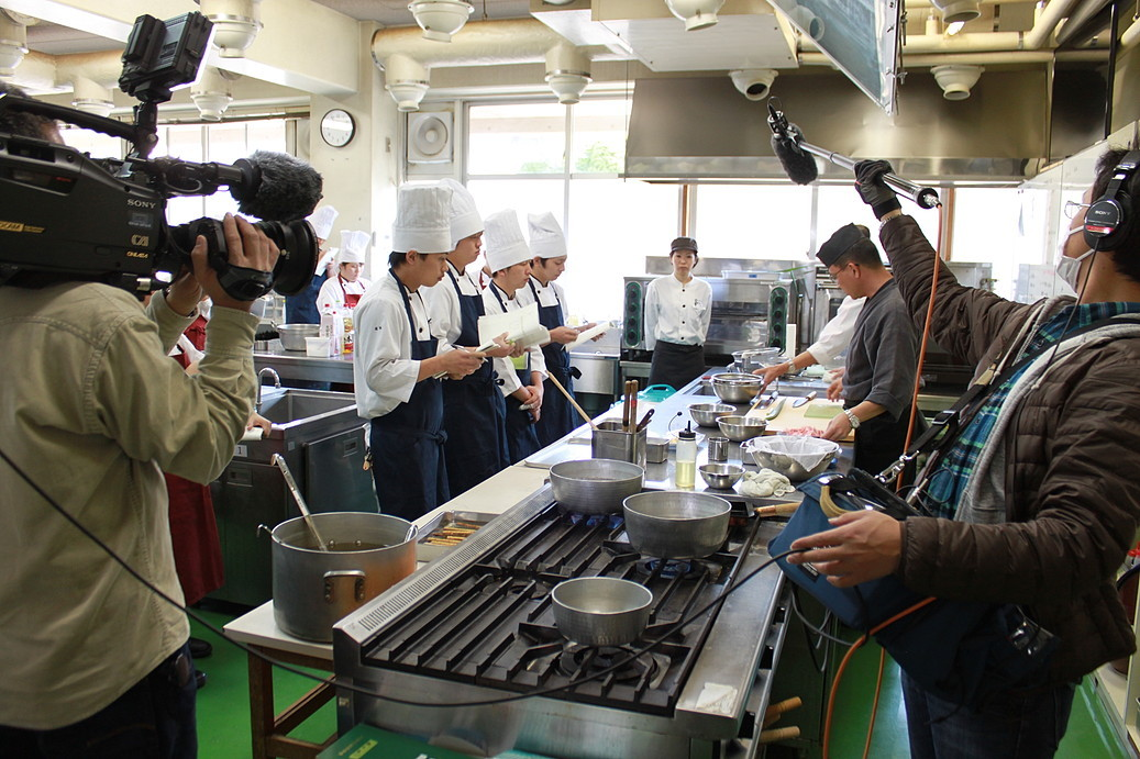 授業が始まりました。今日は日本料理の実習です!