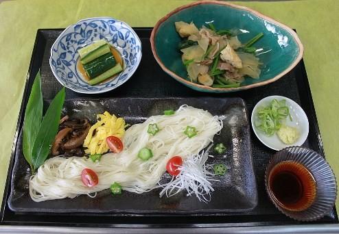 七夕行事食「天の川素麺」五色の星をイメージしました!