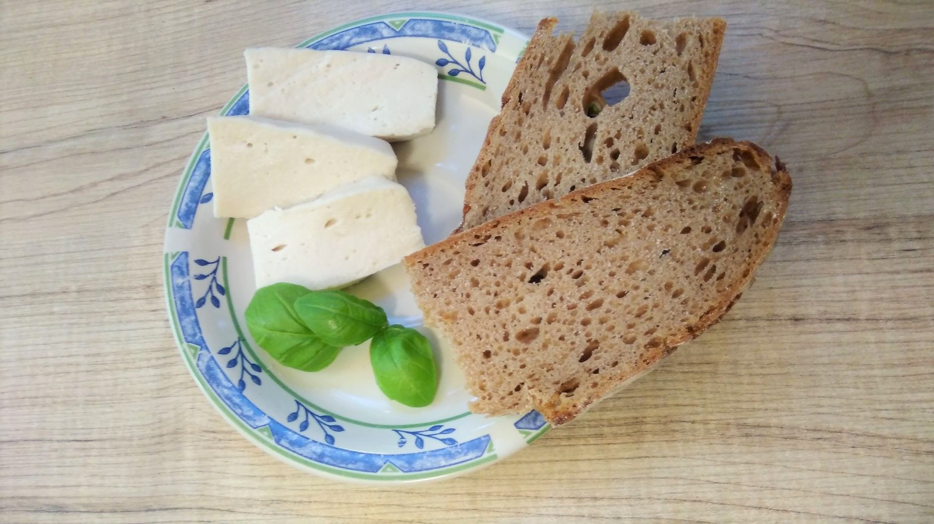 "Veganer ""Käse"" - nach Provolone-Art"