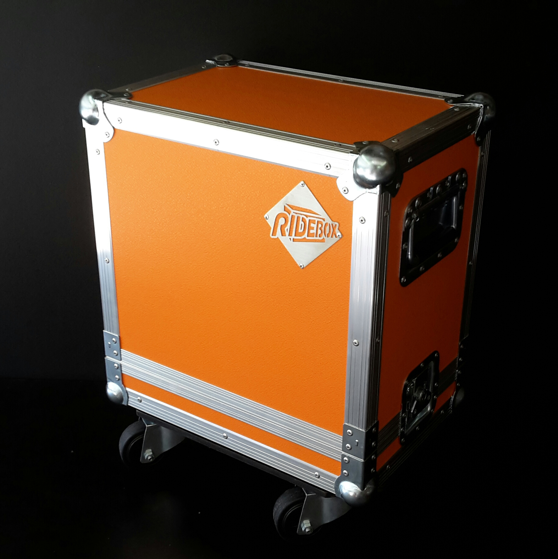 flight case orange