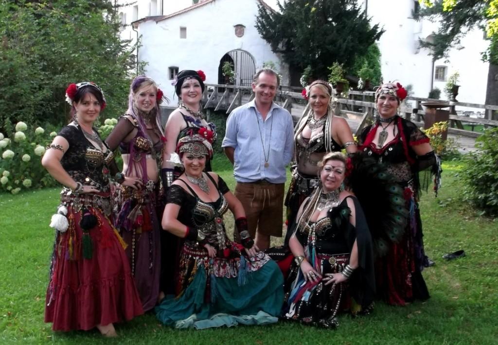Gruppenfoto mit Schlossherrn