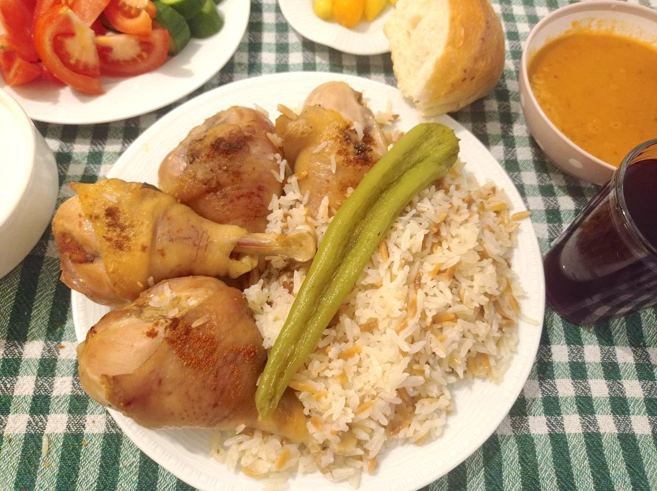 Huhn mit türkischem Reis im Ofen: echte türkische Hausmannskost