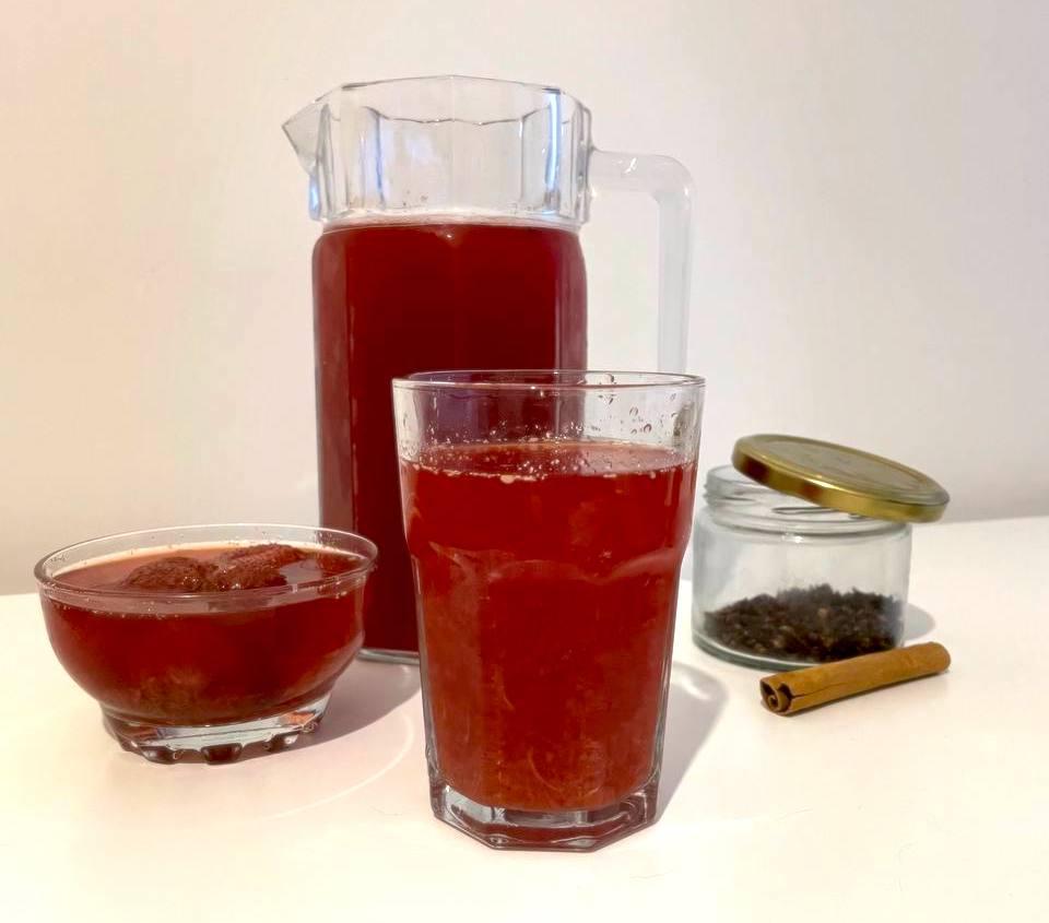 Orientalischer Erdbeersirup mit Gewürzen: Cilekli Serbet