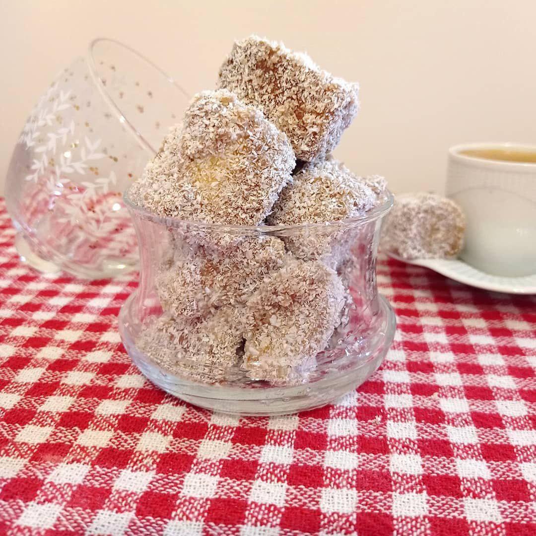 Lokum Kuchen: Mini-Kuchenwürfel zum türkischen Kaffee
