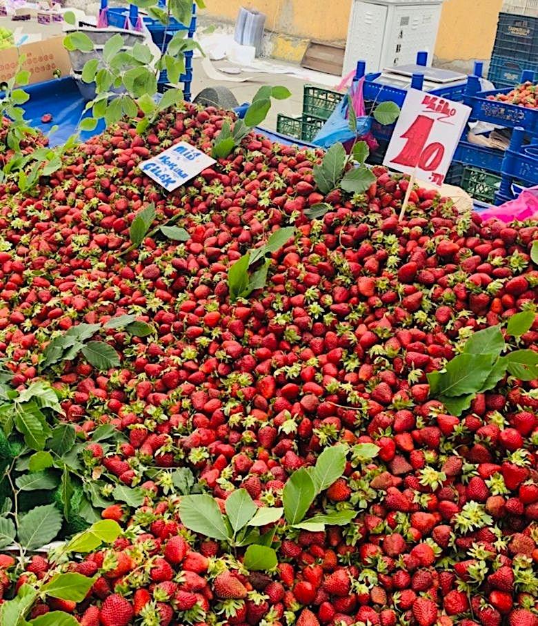 Erdbeeren am Markt (Istanbul)