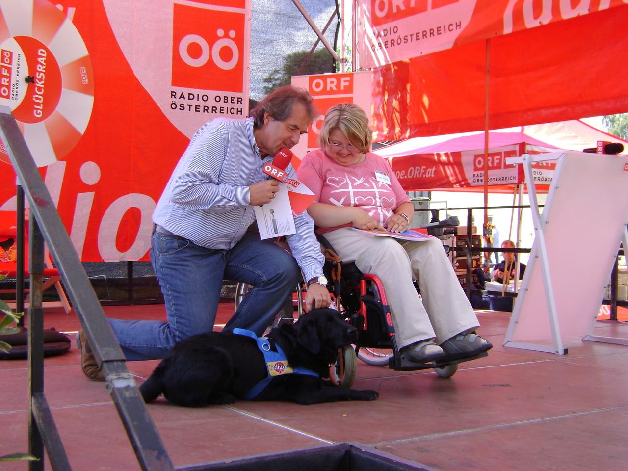 Emmy und ich mit den Mellimaus Büchern auf der ORF Bühne am Mühl4tler Volksfest