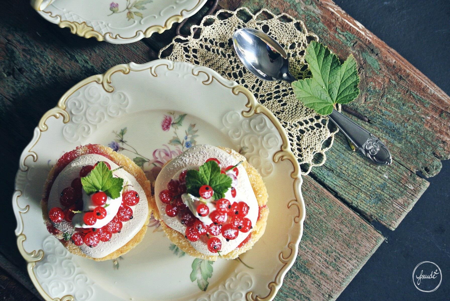 Johannisbeer Muffins mit Baiser