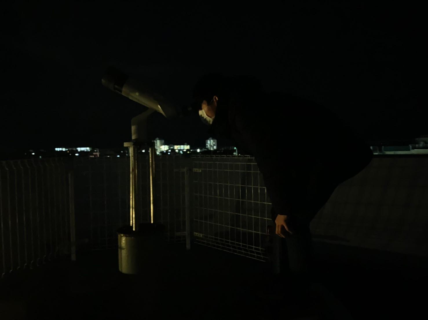 「すばる」をうつす望遠鏡