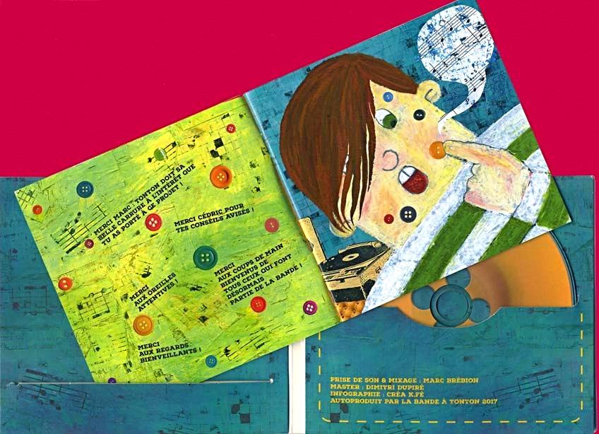 CD L'accordéon à Tonton avec livret ouvert, et illustration du portrait de Tonton adolescent.