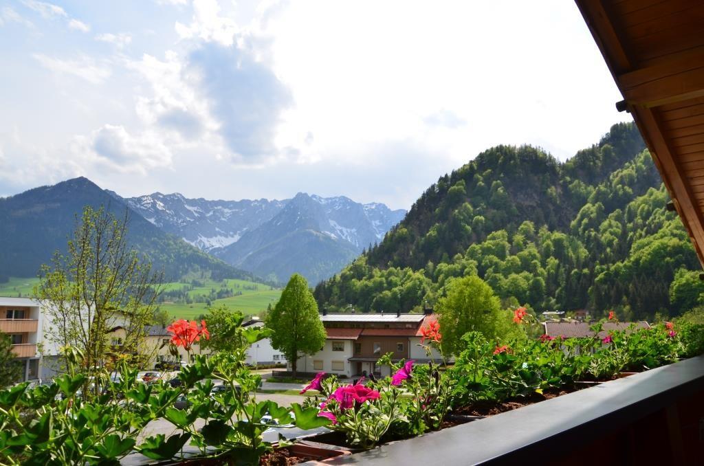 Ihr Blick vom Südbalkon auf das Kaisergebirge