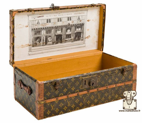 Louis Vuitton flower trunk in paper 1919