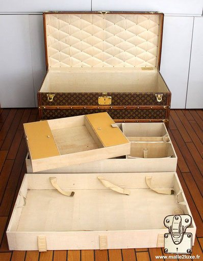 Inside the Louis Vuitton mail trunk, stencil canvas.
